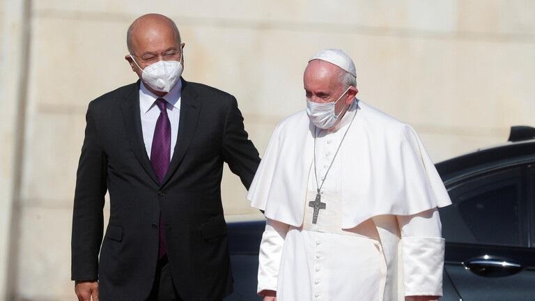 وصول البابا فرنسيس الى مطار بغداد الدولي